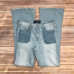 Hollister High Rise Flare Jeans | Size 9